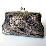 Kisslock Frame Clutch Silk..