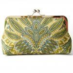 Kisslock Clutch Silk Lined..