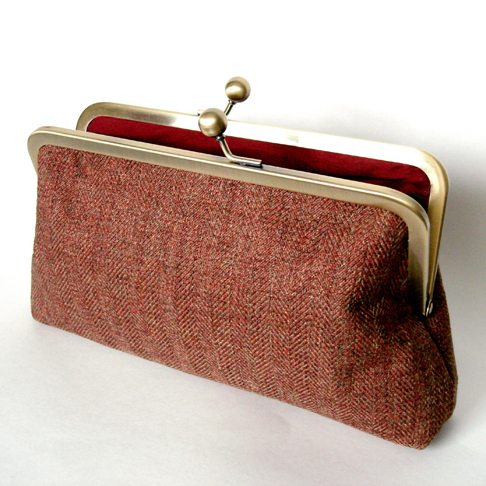 Silk Lined Tweed Frame Kisslock Clutch with Red Interior