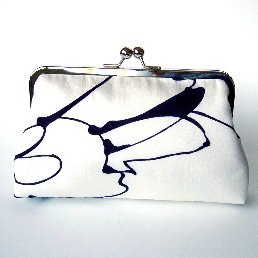 Clutch Frame Kisslock Purse Silk Lined White Abstract Flower Print