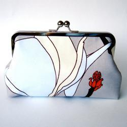Clutch Frame Kisslock Purse Silk Lined Magnolia Flower Print